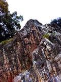 Όμορφος μαρμάρινος βράχος με τις λουρίδες στοκ εικόνες