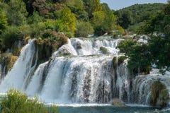Όμορφος μεγάλος καταρράκτης στο εθνικό πάρκο Krka στοκ εικόνα