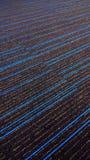 Όμορφος μπλε γδυμένος κατασκευασμένος τάπητας με τις μπλε γραμμές στοκ εικόνες