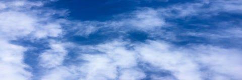όμορφος μπλε ουρανός σύνν&e ουρανός σύννεφων Ουρανός με το μπλε σύννεφων καιρικής φύσης σύννεφων Στοκ φωτογραφίες με δικαίωμα ελεύθερης χρήσης