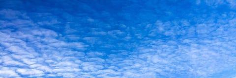 όμορφος μπλε ουρανός σύνν&e ουρανός σύννεφων Ουρανός με το μπλε σύννεφων καιρικής φύσης σύννεφων Στοκ Φωτογραφίες