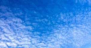 όμορφος μπλε ουρανός σύνν&e ουρανός σύννεφων Ουρανός με το μπλε σύννεφων καιρικής φύσης σύννεφων Στοκ φωτογραφία με δικαίωμα ελεύθερης χρήσης