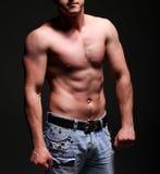 Όμορφος νέος muscleman Στοκ Εικόνες