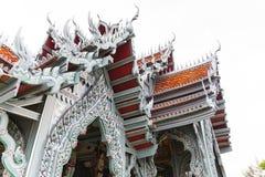όμορφος ναός Ταϊλανδός γυαλιού δράκων Στοκ εικόνα με δικαίωμα ελεύθερης χρήσης