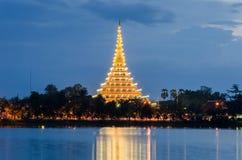 όμορφος ναός Ταϊλανδός γυαλιού δράκων Στοκ Εικόνα