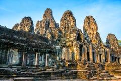 Όμορφος ναός Bayon σε Angkor Thom στο ηλιοβασίλεμα Αρχαίο Khm Στοκ εικόνα με δικαίωμα ελεύθερης χρήσης
