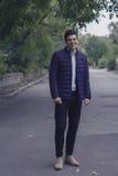 Όμορφος νεαρός άνδρας με την ορισμένη τρίχα Στοκ εικόνα με δικαίωμα ελεύθερης χρήσης