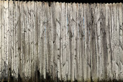 Όμορφος ξεπερασμένος φράκτης στύλων Στοκ Εικόνες