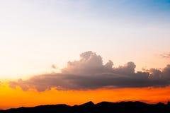 Όμορφος ουρανός θερινού ηλιοβασιλέματος για το υπόβαθρο Στοκ Εικόνες