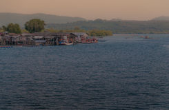 Όμορφος ουρανός λυκόφατος πέρα από τη θάλασσα Στοκ εικόνες με δικαίωμα ελεύθερης χρήσης