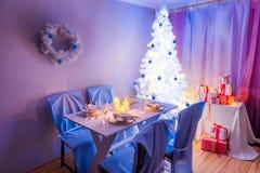 Όμορφος πίνακας Χριστουγέννων που θέτει για τη Παραμονή Χριστουγέννων Στοκ Φωτογραφία