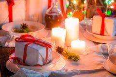 Όμορφος πίνακας Χριστουγέννων που θέτει για τη Παραμονή Χριστουγέννων Στοκ Εικόνες