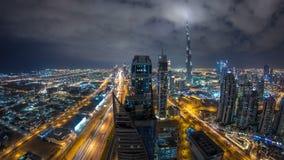 Όμορφος πανοραμικός ορίζοντας της νύχτας του Ντουμπάι timelapse, Ηνωμένα Αραβικά Εμιράτα Άποψη των παγκοσμίως διάσημων ουρανοξυστ απόθεμα βίντεο