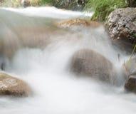 όμορφος ποταμός βουνών Στοκ φωτογραφία με δικαίωμα ελεύθερης χρήσης