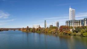 Όμορφος ποταμός του Κολοράντο στο Ώστιν, Τέξας, ΗΠΑ Στοκ εικόνες με δικαίωμα ελεύθερης χρήσης