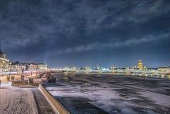 Όμορφος ποταμός Neva άποψης σε Άγιο Πετρούπολη, Ρωσία Στοκ εικόνες με δικαίωμα ελεύθερης χρήσης