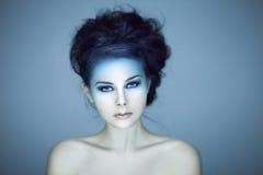 Όμορφος πυροβολισμός στούντιο γυναικών στοκ φωτογραφία με δικαίωμα ελεύθερης χρήσης