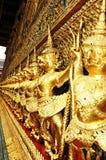 όμορφος ταϊλανδικός πολεμιστής παλατιών Στοκ Εικόνα