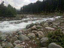 Όμορφος τρέχοντας ποταμός Στοκ φωτογραφίες με δικαίωμα ελεύθερης χρήσης