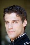 Όμορφος τύπος με τα πανέμορφα μπλε μάτια Στοκ Εικόνες