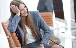Όμορφος υπάλληλος γυναικών της επιχείρησης Στοκ Εικόνα