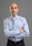 Όμορφος φαλακρός επιχειρηματίας που ανατρέχει Στοκ Εικόνα