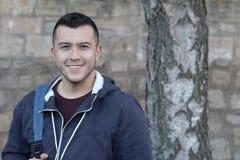 Όμορφος φυλετικός σπουδαστής με το διάστημα αντιγράφων στοκ φωτογραφία με δικαίωμα ελεύθερης χρήσης