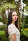 Όμορφος χίπης brunette που ανατρέχει Στοκ Εικόνες