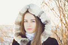 όμορφος χειμώνας κοριτσιών Στοκ Φωτογραφία