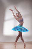 Όμορφος χορευτής μπαλέτου στοκ εικόνες με δικαίωμα ελεύθερης χρήσης
