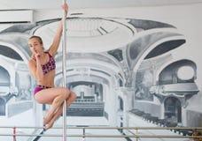 Όμορφος χορευτής πόλων Στοκ Φωτογραφίες