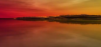 όμορφος ωκεανός βουνών Στοκ φωτογραφία με δικαίωμα ελεύθερης χρήσης