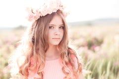 όμορφος dof ρηχός εφηβικός κοριτσιών υπαίθρια Στοκ φωτογραφίες με δικαίωμα ελεύθερης χρήσης