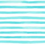 Όμορφο άνευ ραφής σχέδιο με τα μπλε λωρίδες watercolor χρωματισμένα χέρι κτυπήματα βουρτσών, ριγωτό υπόβαθρο επίσης corel σύρετε  ελεύθερη απεικόνιση δικαιώματος