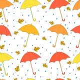 Όμορφο, άνευ ραφής σχέδιο φθινοπώρου, φωτεινές ομπρέλες, κίτρινο ora ελεύθερη απεικόνιση δικαιώματος