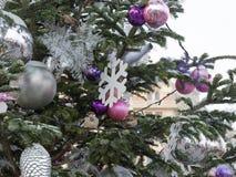 Όμορφο έλατο διακοσμήσεων Χριστουγέννων Στοκ Φωτογραφίες