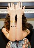 Όμορφο ανεξάρτητη δισκογραφική εταιρία φυλετικό κορίτσι pocahontas Στοκ φωτογραφία με δικαίωμα ελεύθερης χρήσης