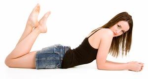 όμορφο απομονωμένη brunette κάτω να βρεθεί άσπρος Στοκ φωτογραφία με δικαίωμα ελεύθερης χρήσης
