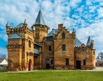 Όμορφο αρχαίο παλαιό κάστρο, νεφελώδης ουρανός Στοκ εικόνα με δικαίωμα ελεύθερης χρήσης