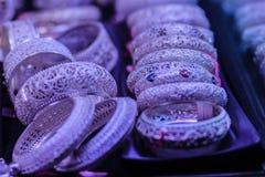 Όμορφο αρχαίο ταϊλανδικό γνήσιο ασημένιο κόσμημα, αναδρομικό χαραγμένο Si Στοκ φωτογραφία με δικαίωμα ελεύθερης χρήσης
