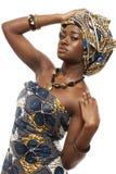 Όμορφο αφρικανικό πρότυπο μόδας στο παραδοσιακό φόρεμα. στοκ εικόνες με δικαίωμα ελεύθερης χρήσης
