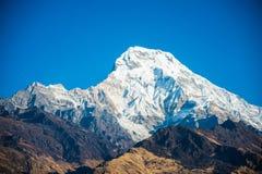 Όμορφο βουνό χιονιού της σειράς Annapurna Himalayan Στοκ εικόνα με δικαίωμα ελεύθερης χρήσης