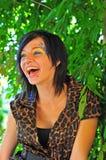 όμορφο γέλιο brunette Στοκ Φωτογραφία