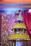 Όμορφο γαμήλιο κέικ Στοκ φωτογραφία με δικαίωμα ελεύθερης χρήσης