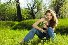 όμορφο δασικό κορίτσι ανθ& Στοκ Εικόνες