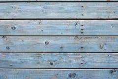 Όμορφο δομικό φυσικό ξύλινο μπλε υποβάθρου Στοκ φωτογραφία με δικαίωμα ελεύθερης χρήσης