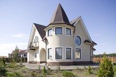 όμορφο εξοχικό σπίτι Στοκ Εικόνες