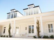 όμορφο εξωτερικό σπίτι ον&epsi Στοκ Εικόνες