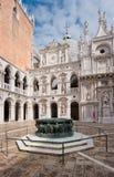 Εσωτερικό δικαστήριο Doge του παλατιού, Βενετία, Ιταλία Στοκ φωτογραφίες με δικαίωμα ελεύθερης χρήσης