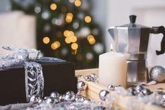 Όμορφο εσωτερικό Χριστουγέννων με το ντεκόρ στοκ εικόνα